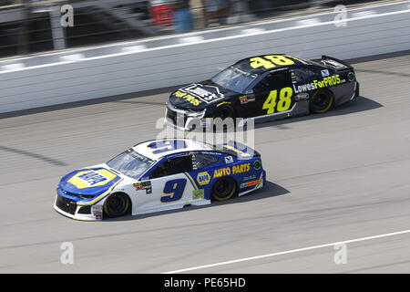 Brooklyn, Michigan, USA. 12th Aug, 2018. Chase Elliott (9) and Jimmie Johnson (48) battle for position during the Consumers Energy 400 at Michigan International Speedway in Brooklyn, Michigan. Credit: Chris Owens Asp Inc/ASP/ZUMA Wire/Alamy Live News - Stock Photo