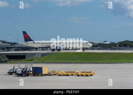 Delta Airbus A321 aircraft on taxiway, an elevated section at Tampa International Airport, Florida, USA. 2018. - Stock Photo