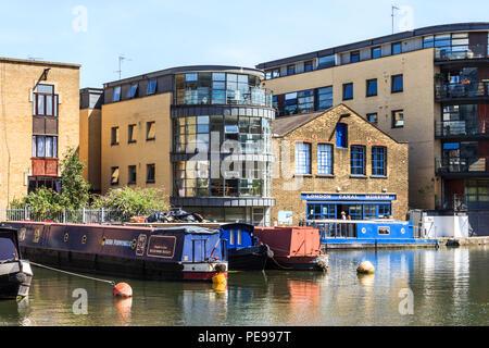 The London Canal Museum in Battlebridge Basin on Regent's Canal, King's Cross, London, UK - Stock Photo