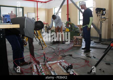 Musanze, Rwanda. 13th Aug, 2018. Students work on a project at a workshop in Integrated Polytechnic Regional College Musanze in Musanze district, northern Rwanda, on Aug. 8, 2018. As the largest polytechnic in northern Rwanda, the college, constructed by Chinese enterprise China Geo-Engineering Corporation using funds from the Chinese government, is playing an important role in training technical persons in Rwanda. Credit: Lyu Tianran/Xinhua/Alamy Live News - Stock Photo