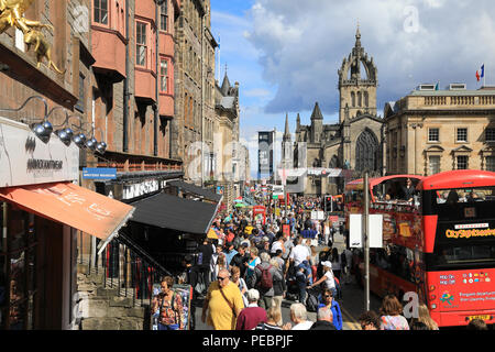 The Royal Mile in Edinburgh, very busy with people visting for the Fringe, 2018, in Scotland, UK - Stock Photo