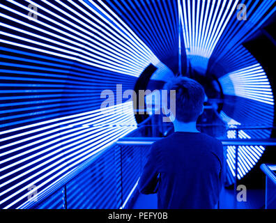 CANBERRA,ACT,AUSTRALIA: JULY 11, 2018. Questacon – The National Science and Technology Centre Canberra. A child enters the UV tunnel.Jayne Russell/ Al