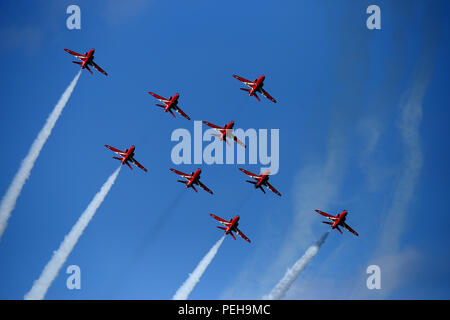 Cromer, Norfolk, UK. 15th Aug 2018. The Royal Air Force Red Arrows display team perform their show at the Cromer Carnival, Cromer, Norfolk, on August 15, 2018. Credit: Paul Marriott/Alamy Live News - Stock Photo