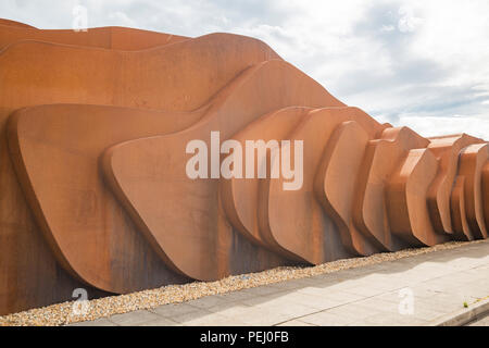 East Beach Cafe designed by the British designer Thomas Heatherwick at East Beach, Littlehampton, West Sussex. Please Credit: PHILLIP ROBERTS - Stock Photo