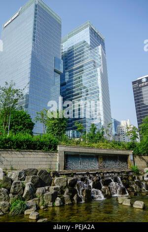 Cheonggyecheon stream in Seoul, South Korea. An area of massive urban renewal. - Stock Photo