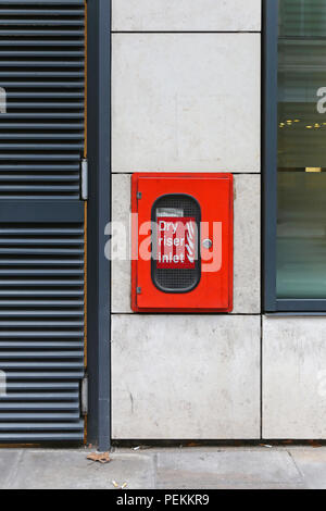 Dry riser inlet box for firefighters - Stock Photo