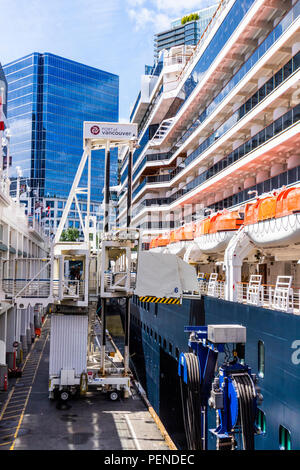 Embarking passengers onto the MS Nieuw Amsterdam (Holland America Line) at the Port of Vancouver, British Columbia, Canada - Stock Photo