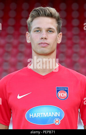 2nd German Bundesliga - Photocall FC Heidenheim - Season 2018/19 on 16 July 2018 in Heidenheim, Germany: Maximilian Thiel. | usage worldwide - Stock Photo
