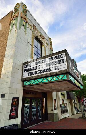 DeKalb, Illinois, USA. The Egyptian Theatre, designed by architect Elmer F. Behrns. The theatre opened in 1929. - Stock Photo