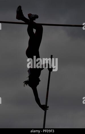 Birmingham, UK. 18th August 2018. Womens pole vault silhouette. Muller Grand Prix Birmingham. Diamond league. Alexander Stadium. Perry Bar. Birmingham. UK. 18/08/2018. Credit: Sport In Pictures/Alamy Live News - Stock Photo