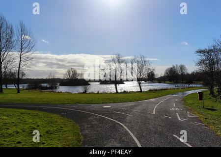Paths converge at Craigavon Lakes, Craigavon, County Armagh, N.Ireland. - Stock Photo