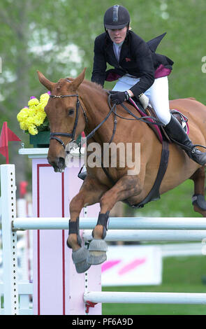 The National, Spruce Meadows, June 2001, Sharon Quigley (GBR) riding Candle Queen, Akita Drilling Cup - Stock Photo
