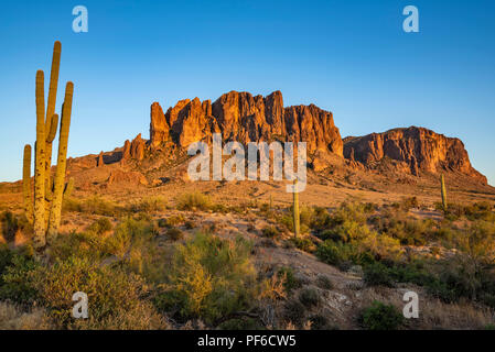 Lost Dutchman State Park is a 320 acre (129 ha) state park located near the Superstition Mountains in central Arizona, USA, and named after the Lost D - Stock Photo