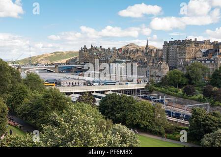 Edinburgh Waverley Station, old town and Arthurs Seat, Edinburgh, Scotland, UK - Stock Photo