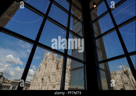 museum of the twentieth century with a view of the Duomo of Milan - Stock Photo