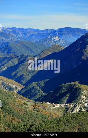 Vallee de l'Esteron, Vue depuis le Mont Arpille, Arriere pays Grassois, Prealpes d'azur, Alpes Maritimes, 06, PACA, France - Stock Photo