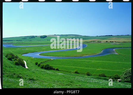 UK, Sussex, meandering River Cuckmere flowing through the South Downs to beach at Cuckmere Haven - Stock Photo