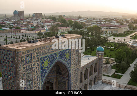 Samarkand, Uzbekistan - April 27, 2015: Madrasah Tilla-Kari on Registan square, Samarkand, Uzbekistan - Stock Photo