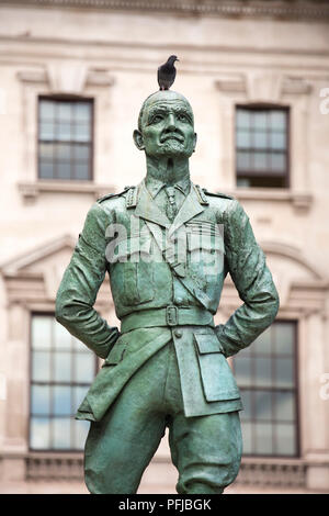 A statue of Jan Christian Smuts, South African and British Commonwealth statesman, military leader and philosopher, in Westminster, London, UK. - Stock Photo