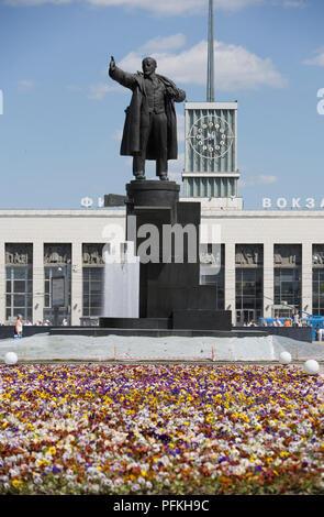 St Petersburg, statue of Vladimir Lenin in front of Ploshchad Lenina (Finland Station) metro - Stock Photo