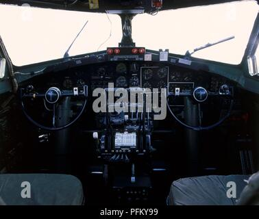 Boeing B-17G Flying Fortress, cockpit - Stock Photo