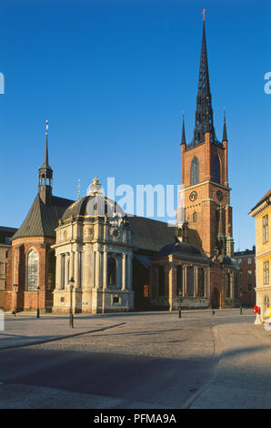 Sweden, Stockholm, Gamla Stan, riddarholmskyrkan with the external burial vault by Tessin and Harleman, on the island of Riddarholmen built on the site of the late 13th century Greyfriars Abbey - Stock Photo
