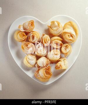 Oudnin el-Kadhi, Tunisian cakes made from nuts and honey - Stock Photo