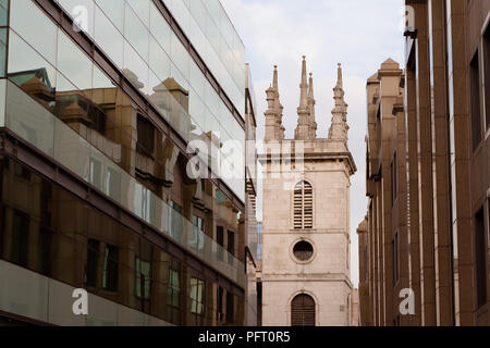 August 2017 - a view of St Mary Somerset, 12th century church in London, destroyed by Great Fire in 1666 and rebuilt by famous architect Sir Christoph - Stock Photo