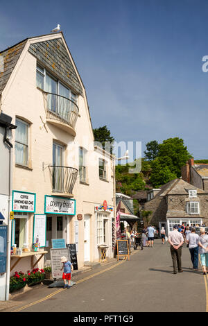 UK, Cornwall, Padstow, The Strand, Cherry Trees cafe - Stock Photo