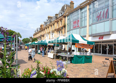 Market stalls on High Street, Bromley, London Borough of Bromley, Greater London, England, United Kingdom - Stock Photo