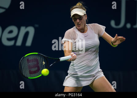 New York, USA. 24th Aug 2018. New York, USA. Madison Brengle of the United States in action during the first qualifications round at the 2018 US Open Grand Slam tennis tournament. New York, USA. August 22th 2018. 22nd Aug, 2018. Credit: AFP7/ZUMA Wire/Alamy Live News - Stock Photo