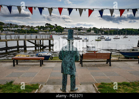 Saltash, Cornwall, UK. 23rd Aug, 2018. UK Weather. Sunny luchtime at Saltash. Seen here a statue of Isambard Kingdom Brunel looking out across the Tamar. Credit: Simon Maycock/Alamy Live News - Stock Photo