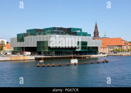 The BLOX building a new prestige building for architecture and design at the waterfront on Christians Brygge in Copenhagen at Frederiksholm Canal. - Stock Photo