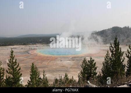 Grand Prismatic Spring at the Midway Geyser basin, Yellowstone National Park Stock Photo