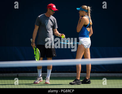 New York, USA. 24th Aug 2018. Amanda Anisimova of the United States during practice at the 2018 US Open Grand Slam tennis tournament. New York, USA. August 24th 2018. 24th Aug, 2018. Credit: AFP7/ZUMA Wire/Alamy Live News - Stock Photo
