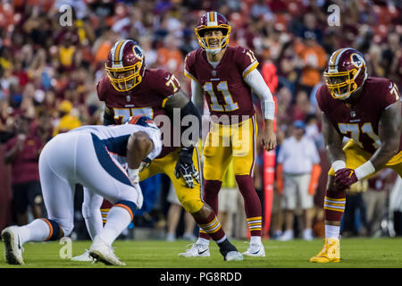 Landover, USA. August 24, 2018: Washington Redskins quarterback Alex Smith (11) in action during the NFL preseason game between the Denver Broncos and the Washington Redskins at FedExField in Landover, Maryland. Scott Taetsch/CSM Credit: Cal Sport Media/Alamy Live News - Stock Photo