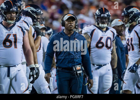 Landover, USA. August 24, 2018: Denver Broncos head coach Vance Joseph looks on during the NFL preseason game between the Denver Broncos and the Washington Redskins at FedExField in Landover, Maryland. Scott Taetsch/CSM Credit: Cal Sport Media/Alamy Live News - Stock Photo