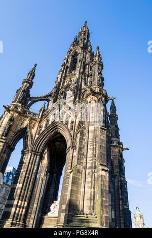The Scott Monument is a Victorian Gothic memorial to Scottish writer, Sir Walter Scott.  It stands in Princes Street Gardens in Edinburgh, Scotland. - Stock Photo