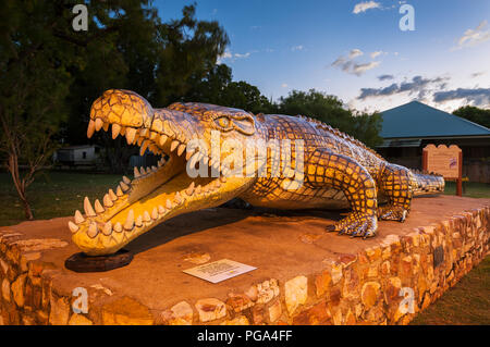 Replica of famous and giant Krys the Crocodile in Normanton. - Stock Photo