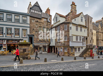 EDINBURGH SCOTLAND JOHN KNOXS HOUSE AND MOUBRAY HOUSE ON HIGH STREET - Stock Photo