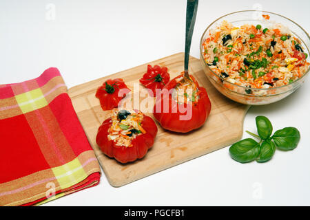 Stuffed tomatoes. step by step. Prepared dish: BM831M - Stock Photo