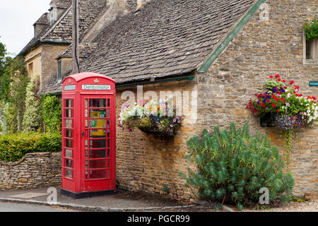 Old phone booth in Upper Slaughter, Cotswolds, England - Stock Photo