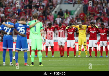 MOSCOW, RUSSIA - AUGUST 25, 2018: Spartak Moscow (back) and Dynamo Moscow teams line up before the kick off of their 2018/2019 Russian Football Premier League Round 5 match at Otkrytiye Arena. Stanislav Krasilnikov/TASS - Stock Photo