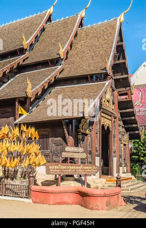 Wat Phant Tao, Chiang Mai, Northern Thailand | Wat Phant ao, Chiang  Mai, Nordthailand - Stock Photo