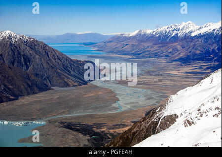 Aerial view of the Tasman River headwaters in Mount Cook National Park, New Zealand. Turquoise glacial waters form braided pattern - Stock Photo