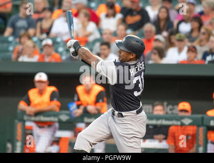 Baltimore, United States Of America. 24th Aug, 2018. New York Yankees center fielder Aaron Hicks (31) bats in the first inning against the Baltimore Orioles at Oriole Park at Camden Yards in Baltimore, MD on Friday, August 24, 2018. Credit: Ron Sachs/CNP (RESTRICTION: NO New York or New Jersey Newspapers or newspapers within a 75 mile radius of New York City) Photo via Credit: Newscom/Alamy Live News Stock Photo