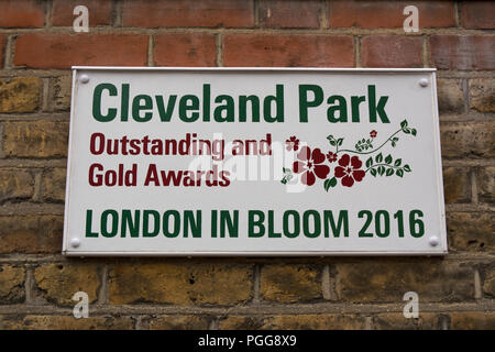 wall plaque commemorating awards received by cleveland park, walthamstow, at the 2016 london in bloom contest - Stock Photo