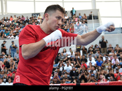 California, USA. 26th Aug, 2018. Los Angeles, CA, USA. 26th Aug, 2018. Middleweight boxing champion Gennady ?GGG? Golovkin workouts for the fans Sunday at Banc of California Stadium. Today GGG and Canelo Alvarez did media day workouts in preparation for their anticipated rematch on September 15 in Las Vegas.Photo by Gene Blevins/LA DailyNews/SCNG/ZUMAPRESS Credit: Gene Blevins/ZUMA Wire/Alamy Live News - Stock Photo