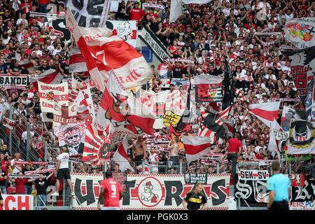 firo: 26.08.2018, Football, 1.Bundesliga, Season 2018/2019, FSV FSV Mainz 05 - VFB Stuttgart, Stuttgart Fans on the Tribune, depositor, Feature, General, | usage worldwide - Stock Photo
