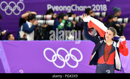 Kangnung, Korea, Republic Of. 18th Feb, 2018. ***FILE PHOTO*** Czech speed-skater Karolina Erbanova, bronze medallist from Pyeongchang Olympics, decided to end her career at age of 25, she told CTK, on August 27, 2018. *** ORIGINAL CAPTION: Czech speed skater Karolina Erbanova celebrates her 3rd place with Czech flag after the Women's 500 m speed skating race within the 2018 Winter Olympics in Gangneung, South Korea, February 18, 2018. Credit: Michal Kamaryt/CTK Photo/Alamy Live News - Stock Photo